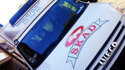 oklejony bus firmy SKAD