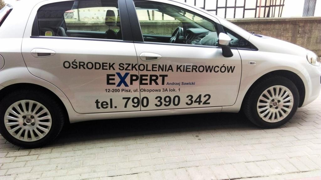 Reklama na samochodzie OSK Expert