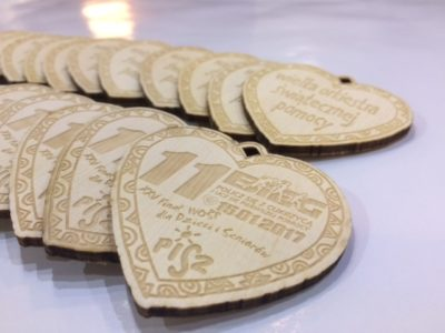 Medale wykonane ze sklejki WOŚP